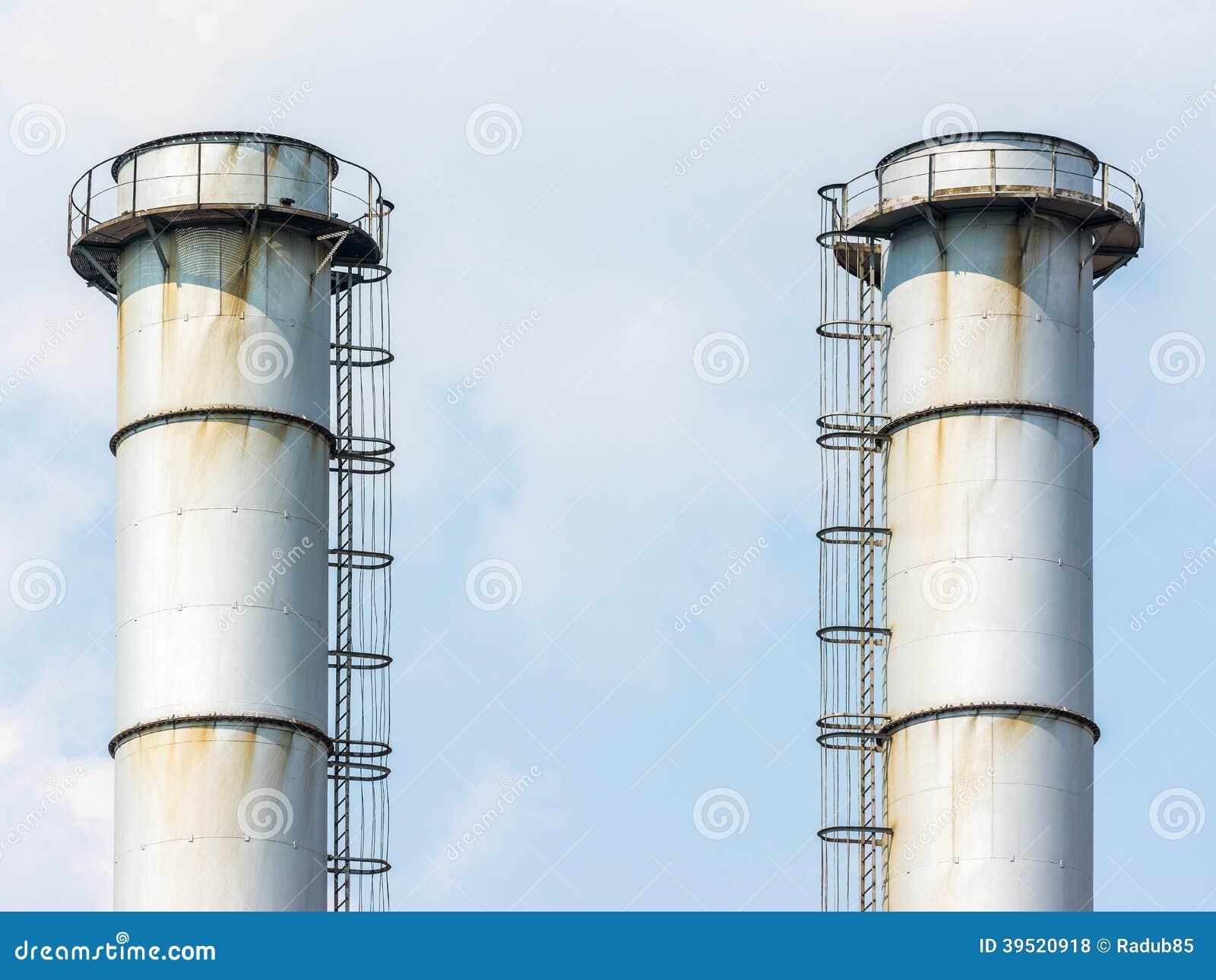 Chimeneas de la f brica de la central el ctrica de energ a - Fabricantes de chimeneas ...
