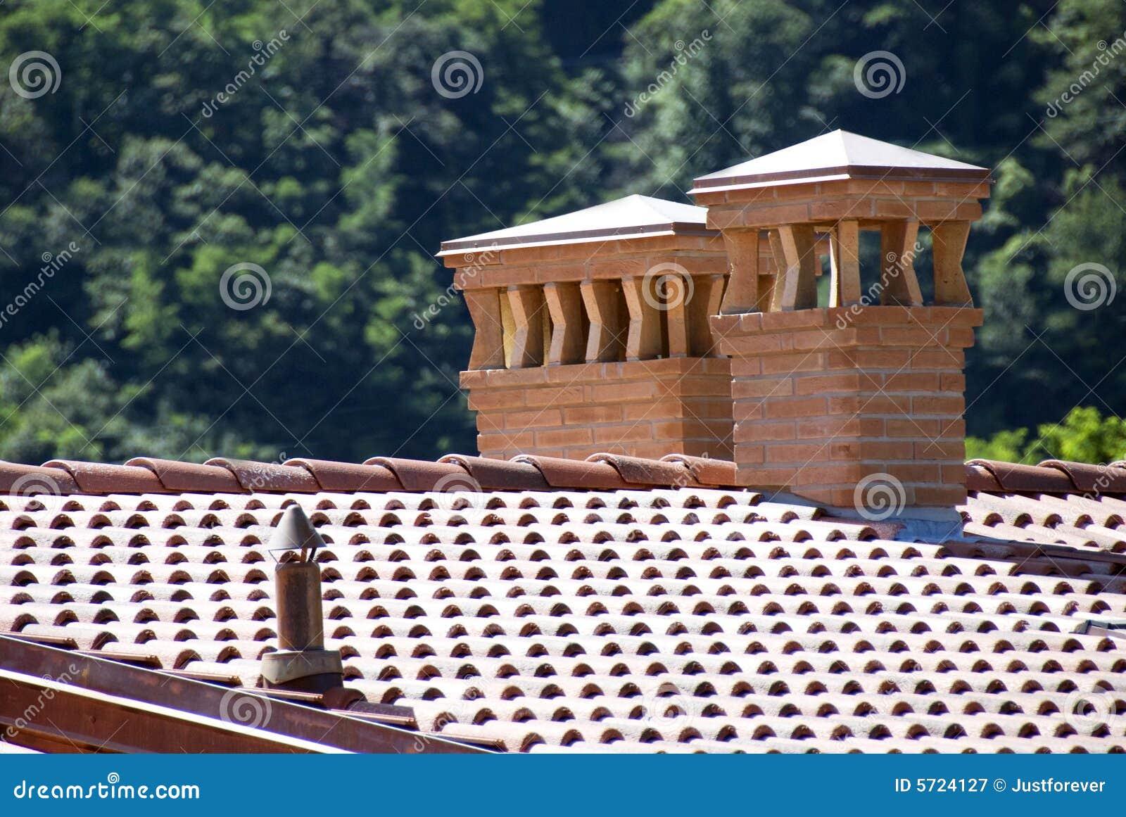 Chimeneas del ladrillo fotograf a de archivo libre de - Construccion de chimeneas de ladrillo ...