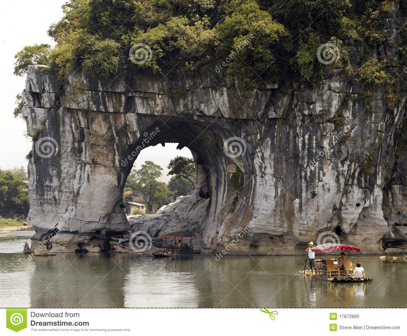 The natural rock formation of Elephant Trunk Hill on the Li River in ...