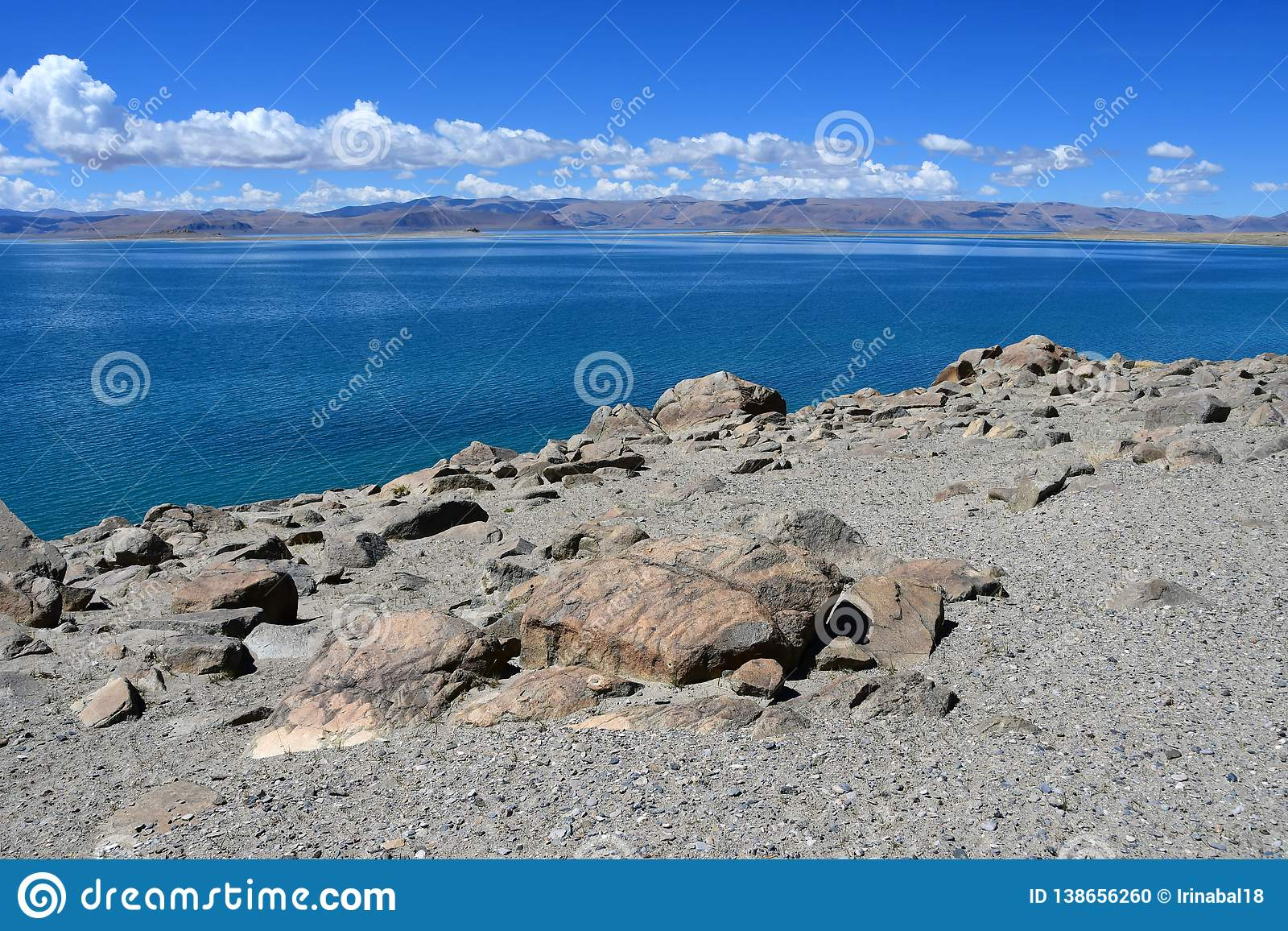 China Grandes lagos de Tibet Lago Teri Tashi Namtso no dia ensolarado em junho