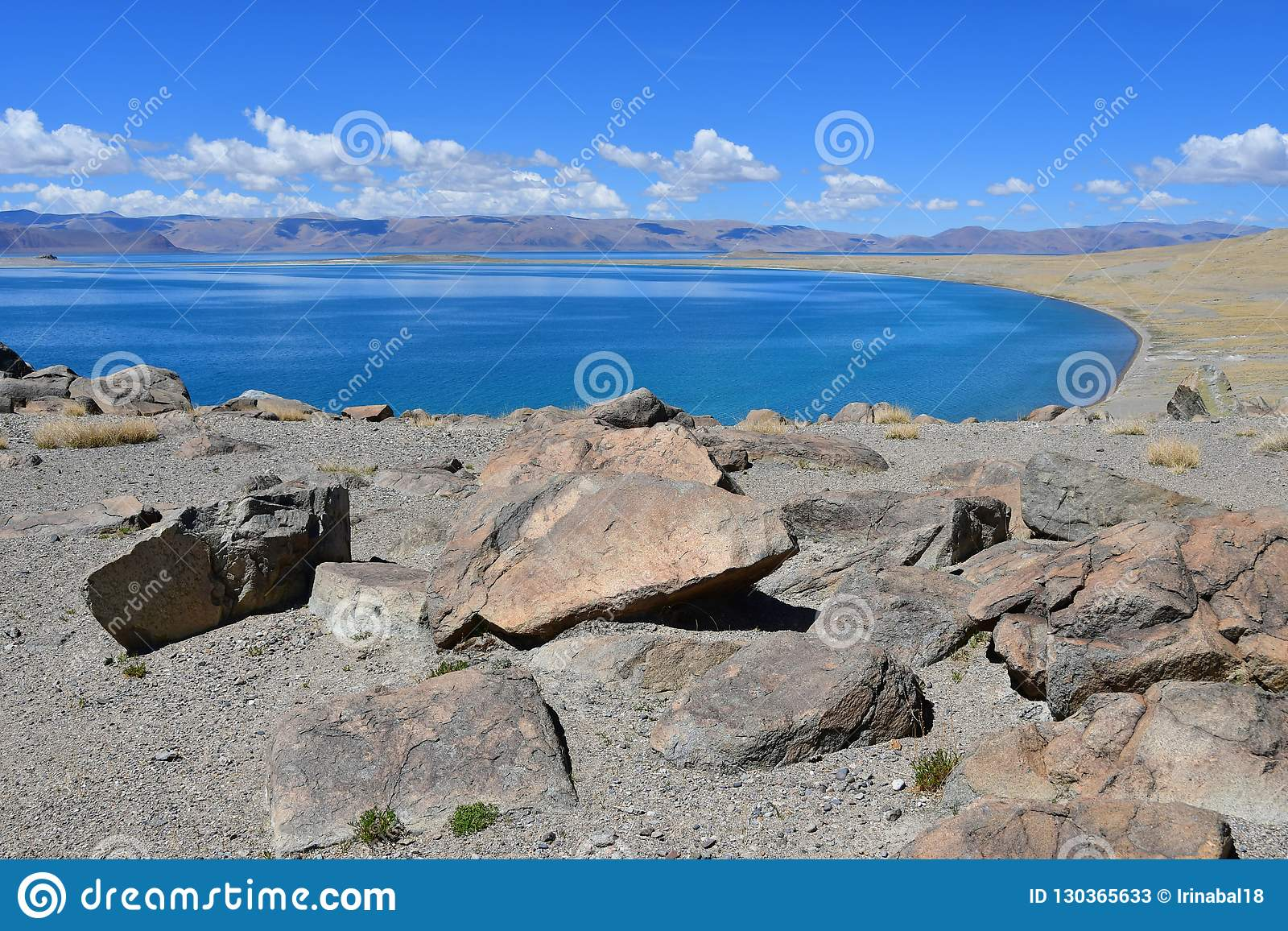 China Grote meren van Tibet Meer Teri Tashi Namtso in zonnige de zomerdag