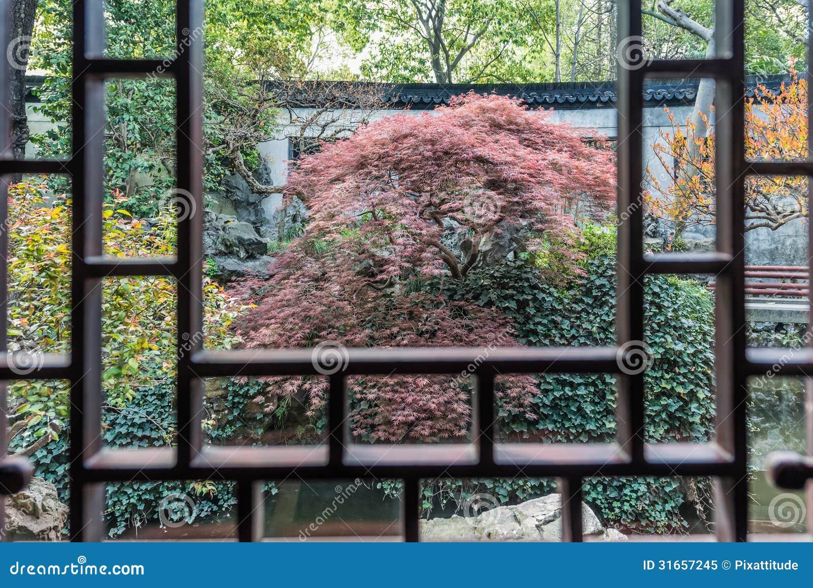 China rojo hojeada de shangai del jard n de yuyan del for Arbol rojo jardin