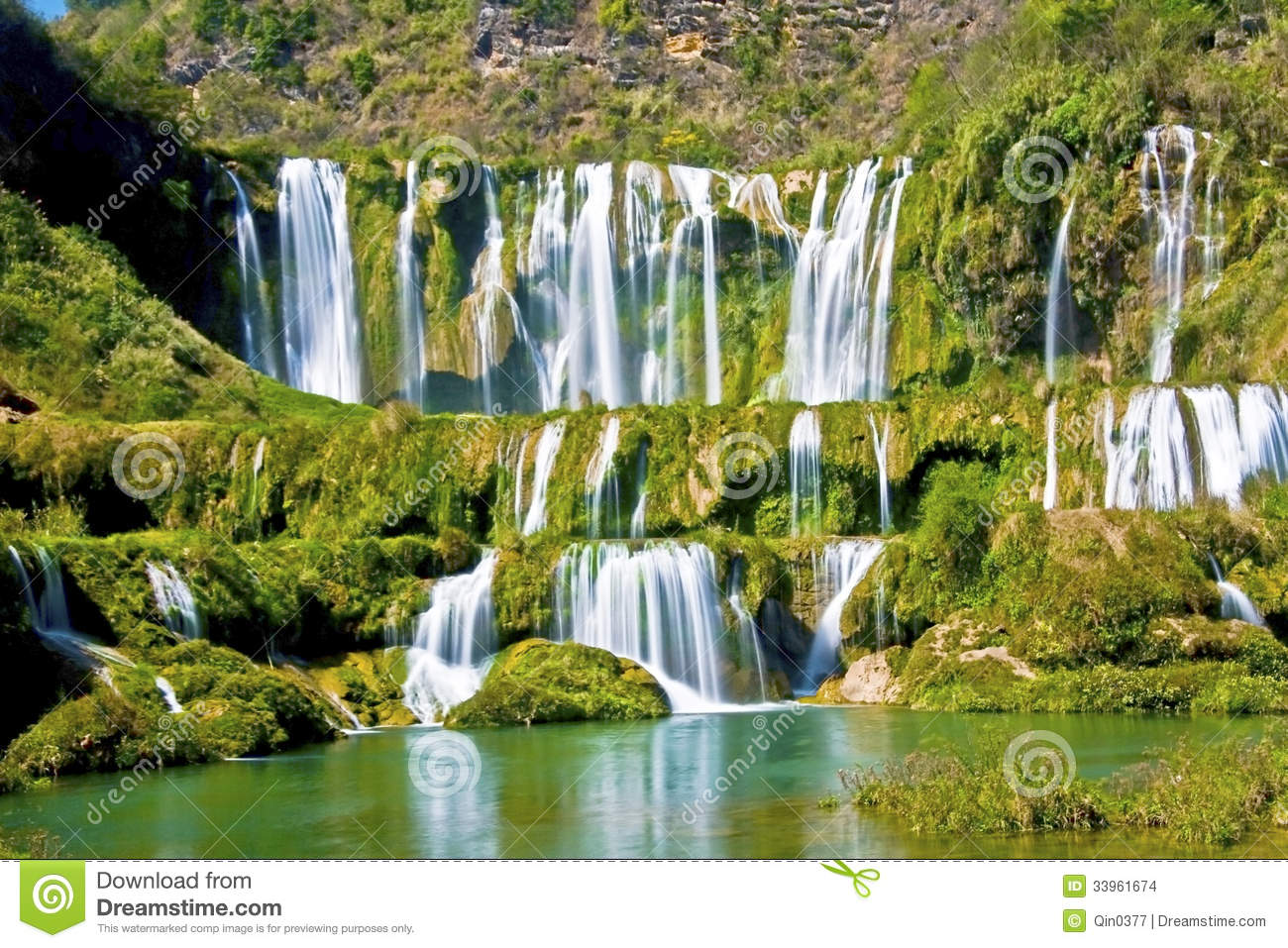 China Yunnan Luoping Kowloon Falls Group Stock Images - Image ...