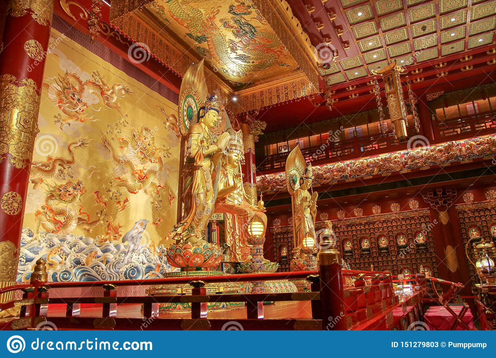 CHINATOWN,SINGAPORE - April 11, 2016:The Interior View Of The Richely Ornated Buddha Tooth Relic