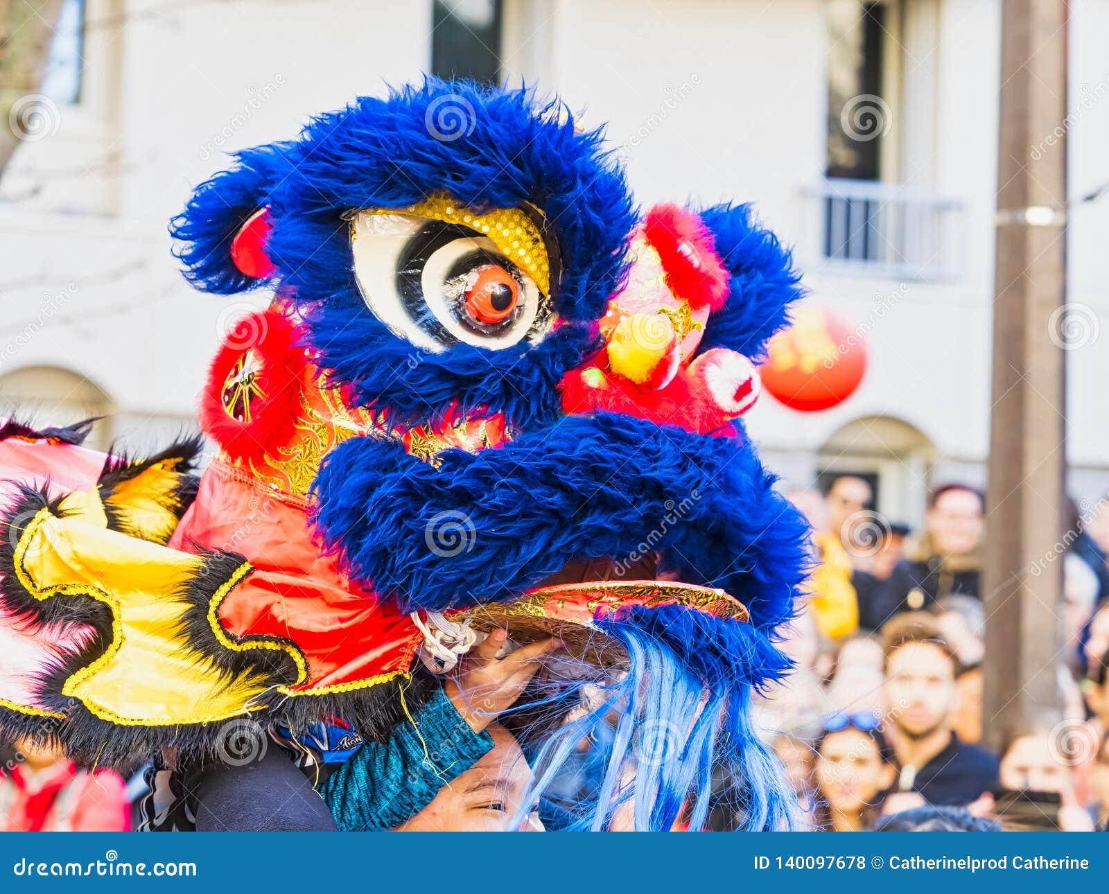 Chinees nieuw jaar 2019 Parijs Frankrijk - Leeuw het dansen