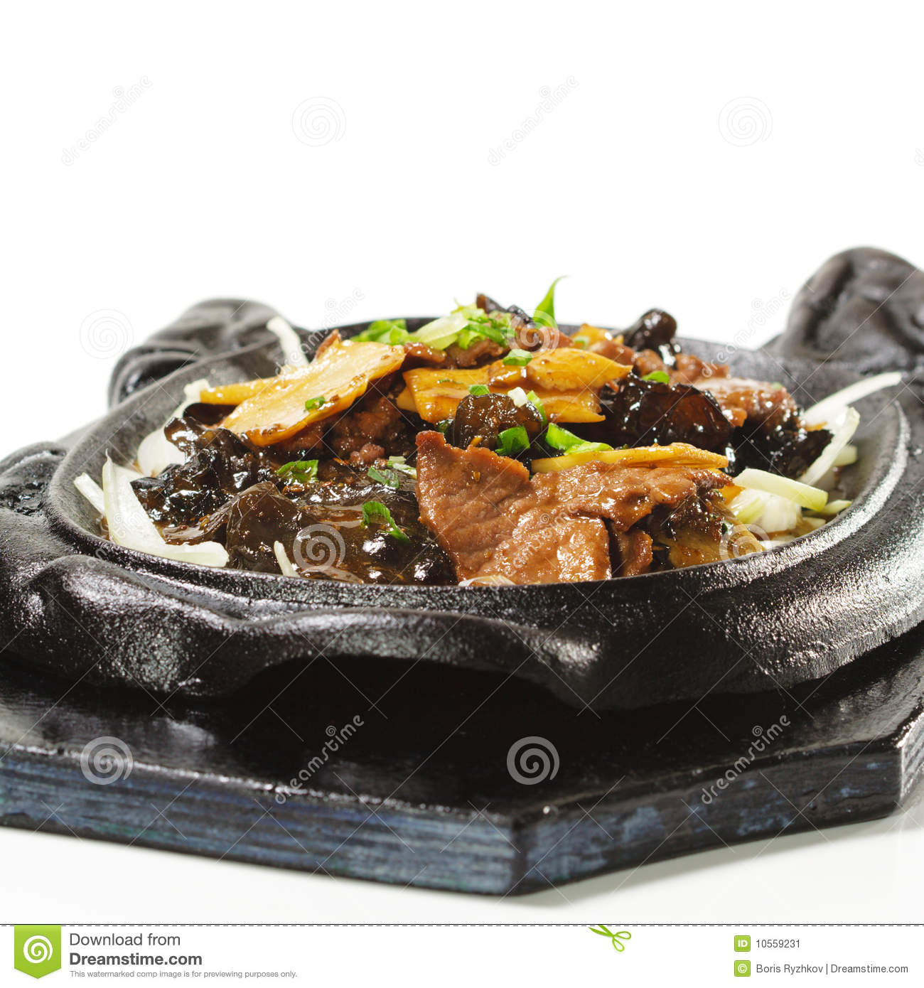 chinese beef with asparagus and black fungus in the black iron dish mr ...