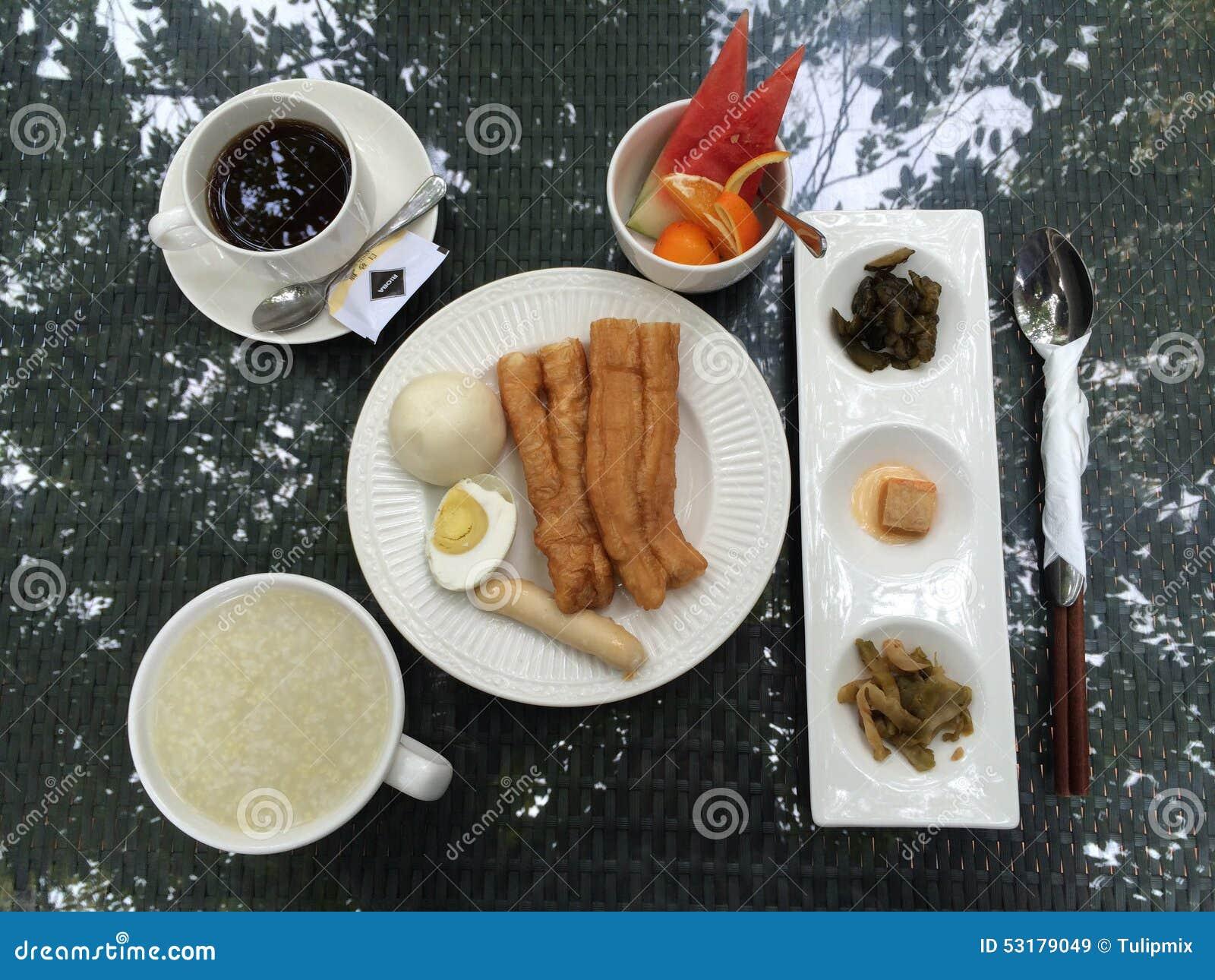 Chinese breakfast on a table in a hotel garden in xiamen for Au jardin brunch