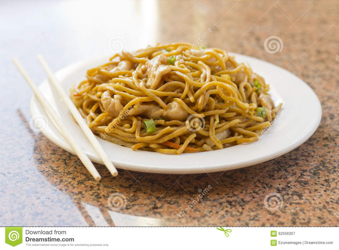 Chinese Chicken Lo Mein Stock Photo - Image: 62556307