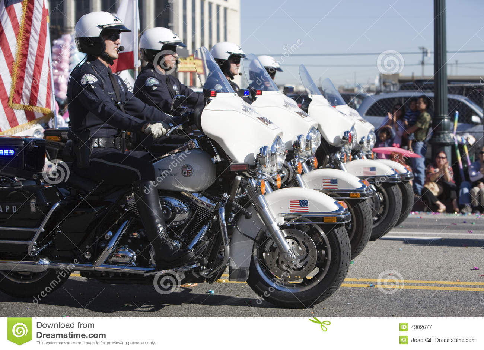 Chinese Cop van de Parade van het Nieuwjaar Vorming 4