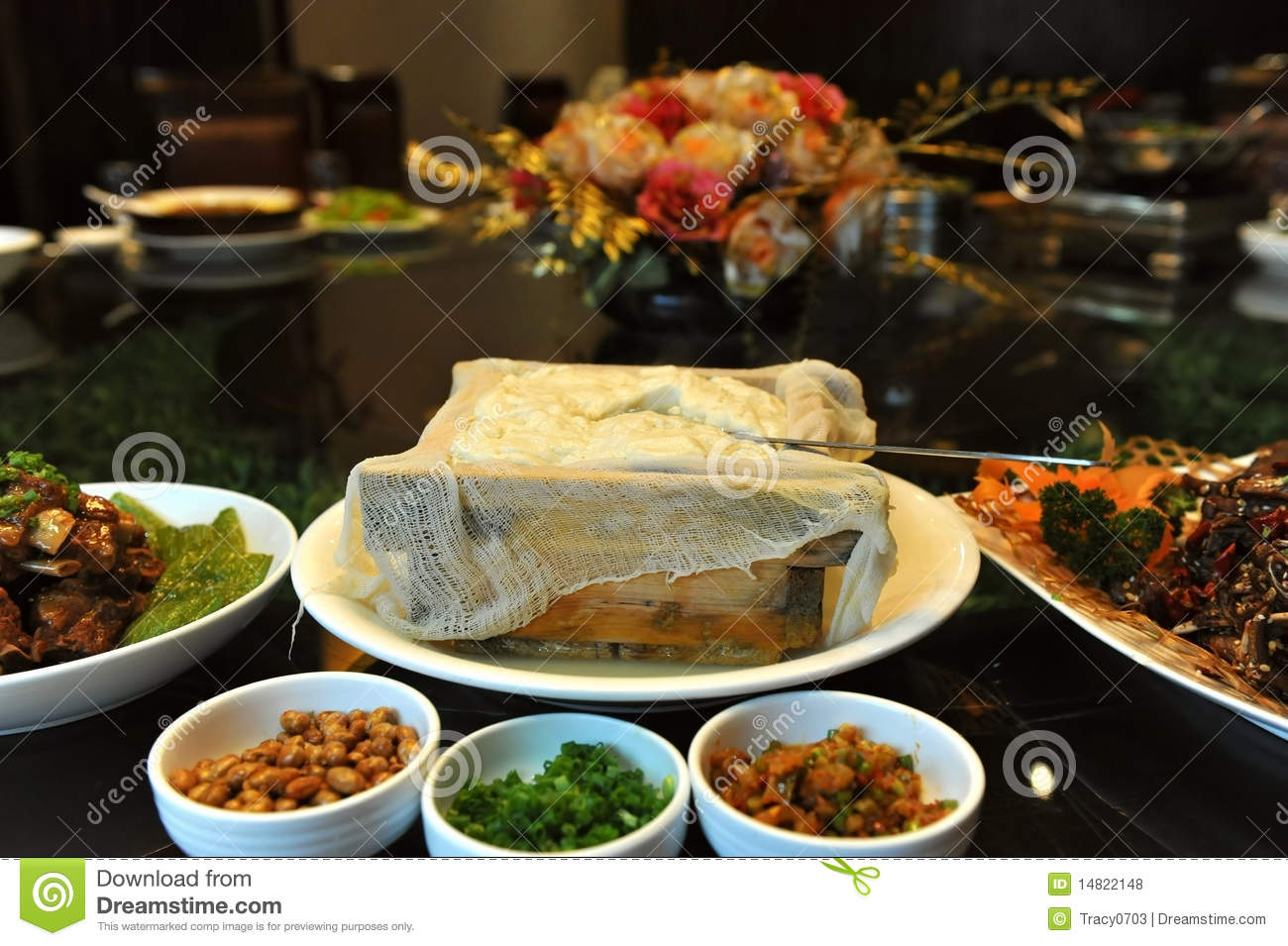 Chinese cuisine box tofu royalty free stock photos for 8 chinese cuisine