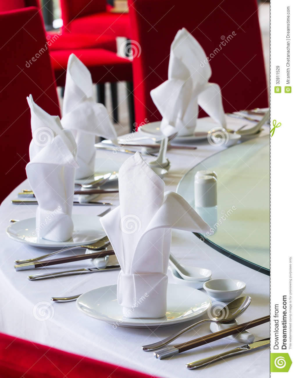 Chinese Dining Table Setup Royalty Free Stock Images  : chinese dining table setup close up white napkin set up 32811529 from www.dreamstime.com size 1018 x 1300 jpeg 125kB