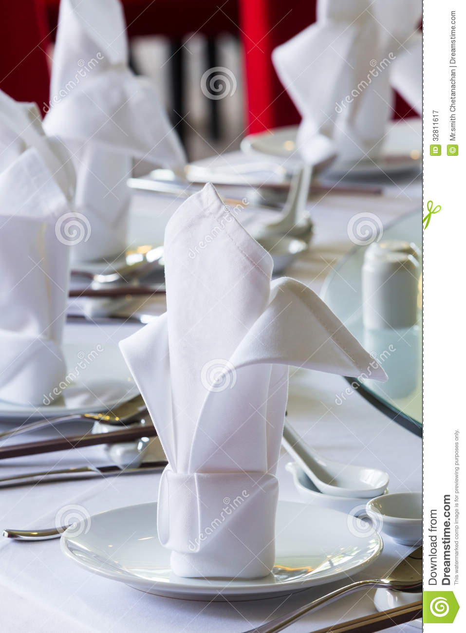 Chinese Dining Table Setup Royalty Free Stock Photography  : chinese dining table setup close up white napkin set up 32811617 from www.dreamstime.com size 957 x 1300 jpeg 105kB