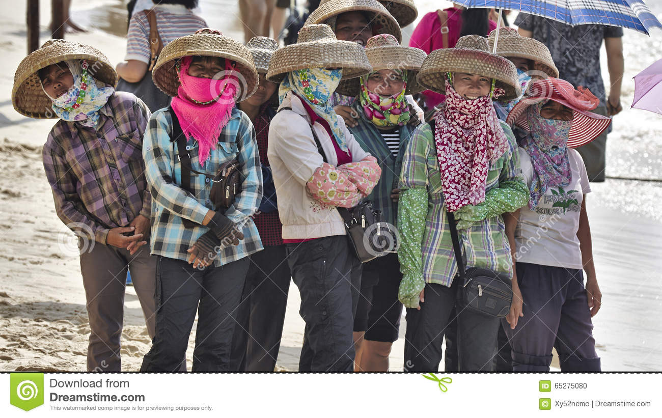 Chinese Fishing women wearing traditional clothes, China