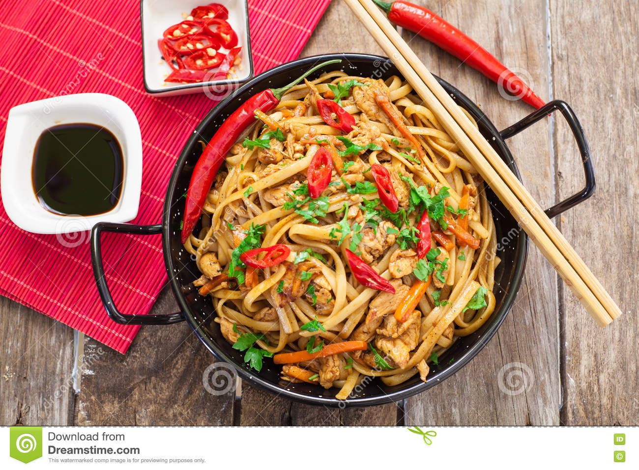 Chinese food on wok stock image image of chow exotic for Cuisine wok