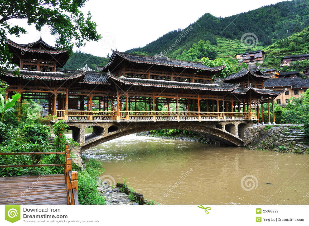 Chinese Gallery Bridge Royalty Free Stock Images - Image: 25098799