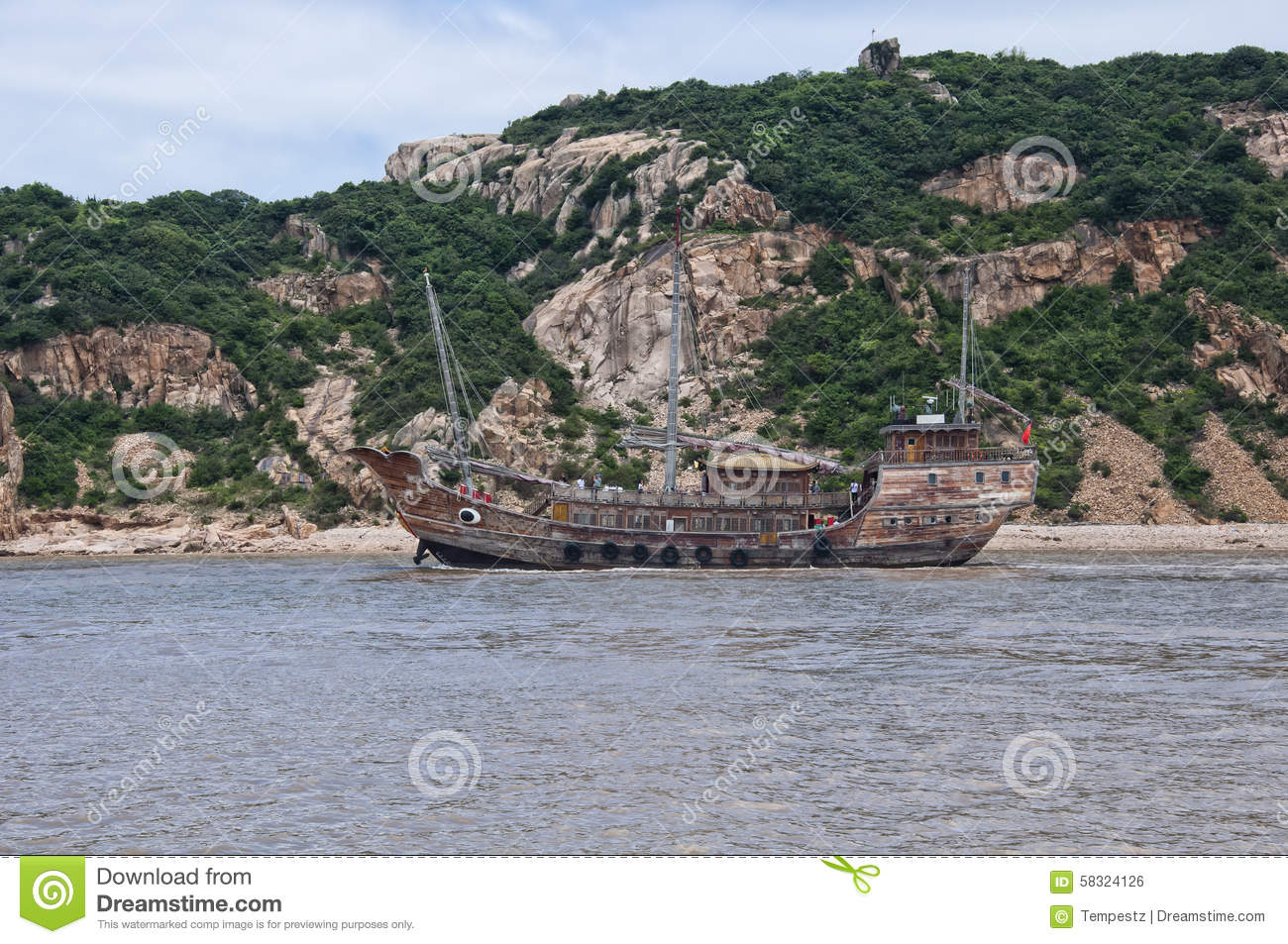 Chinese Junk Boat Stock Photo - Image: 58324126