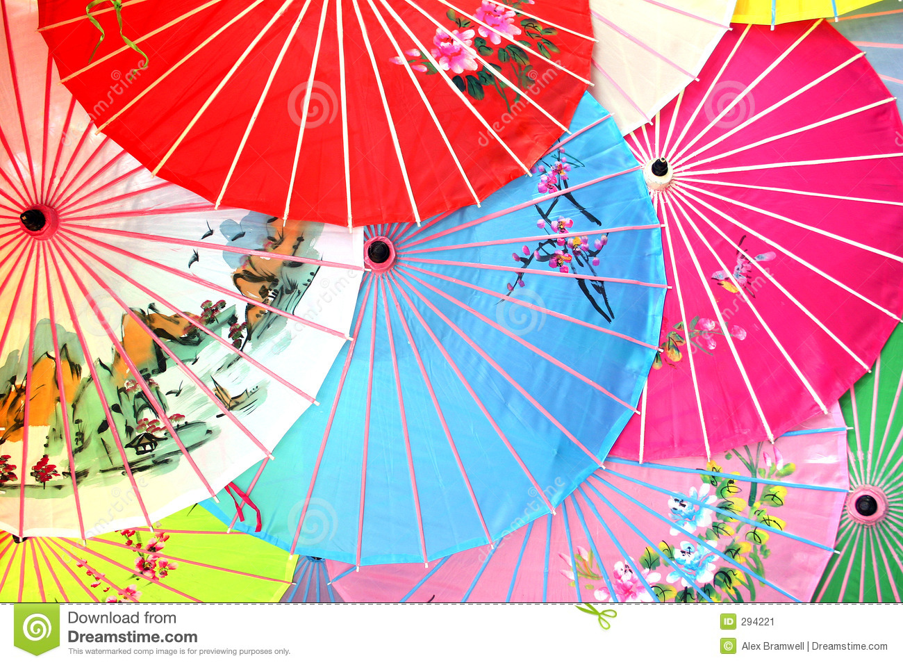 the symbolic meaning of color in china In chinese believes, the cosmos mirrors the five elements, therefore each color represents or is associated with a symbolic meaning the five element chart shows associated properties or aspects of each element.