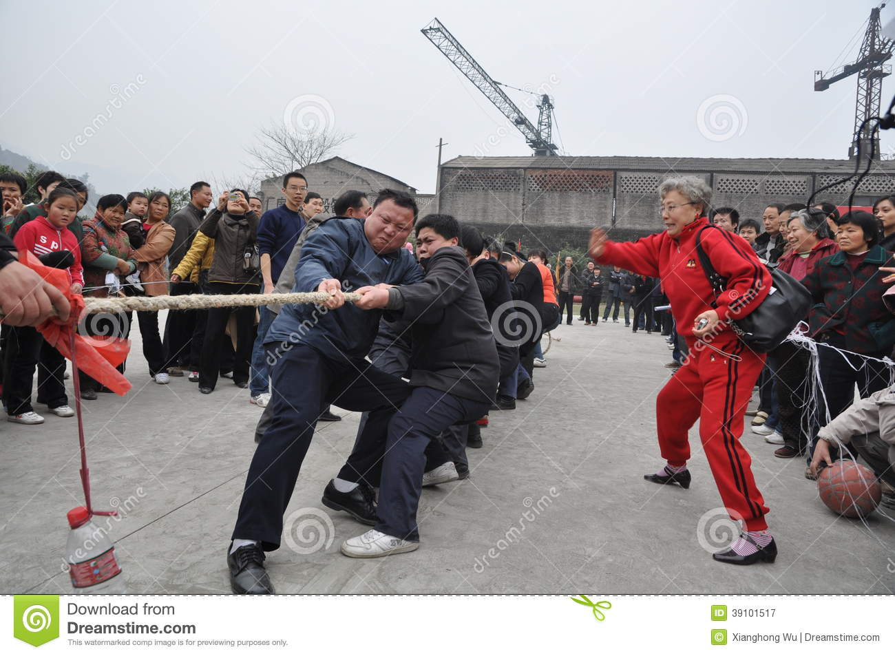Chinese People Are Tug...