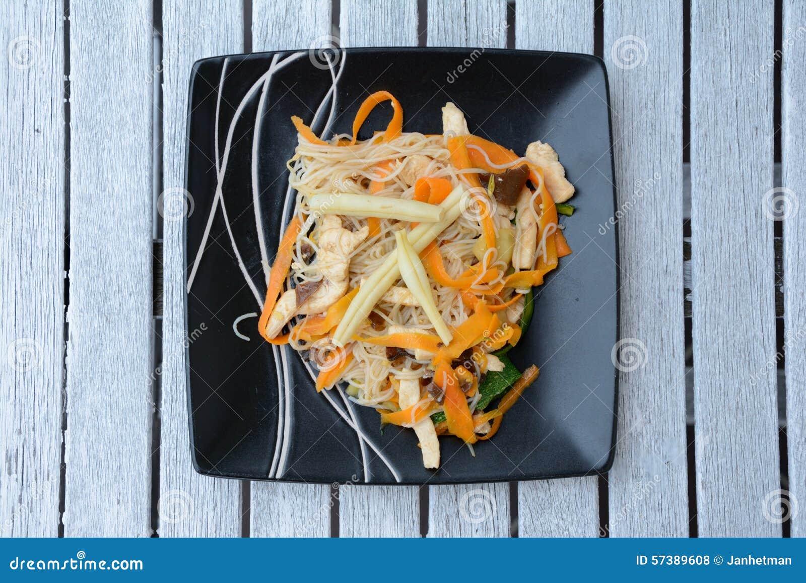 Chinese rijstnoedels met groenten