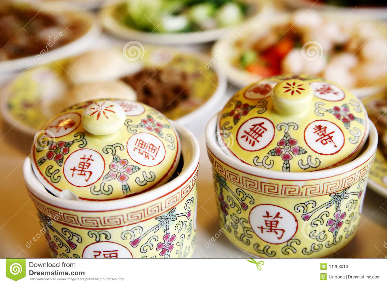 Charmant Chinese Royal Tableware