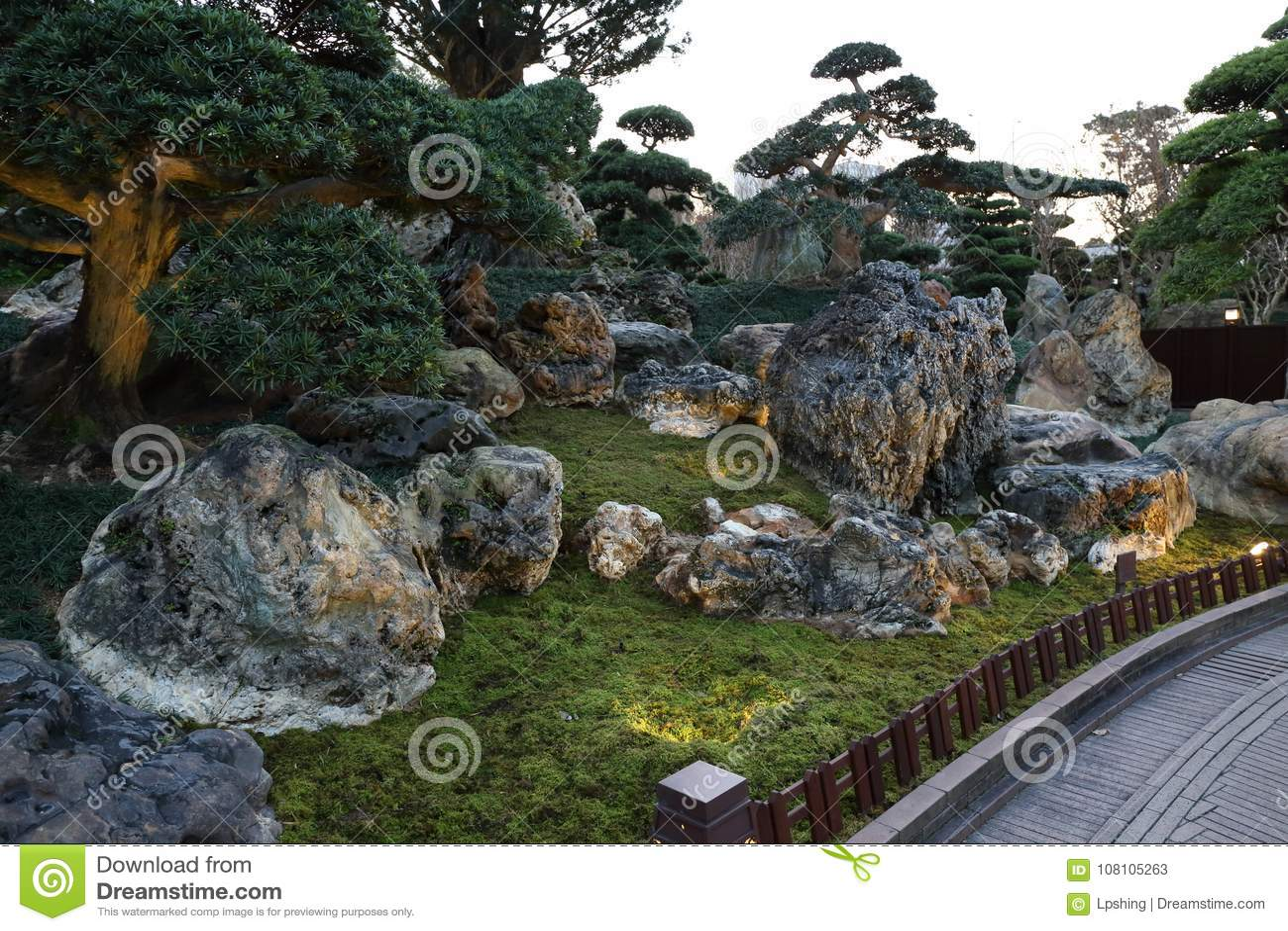 Elegant Chinese Style Garden