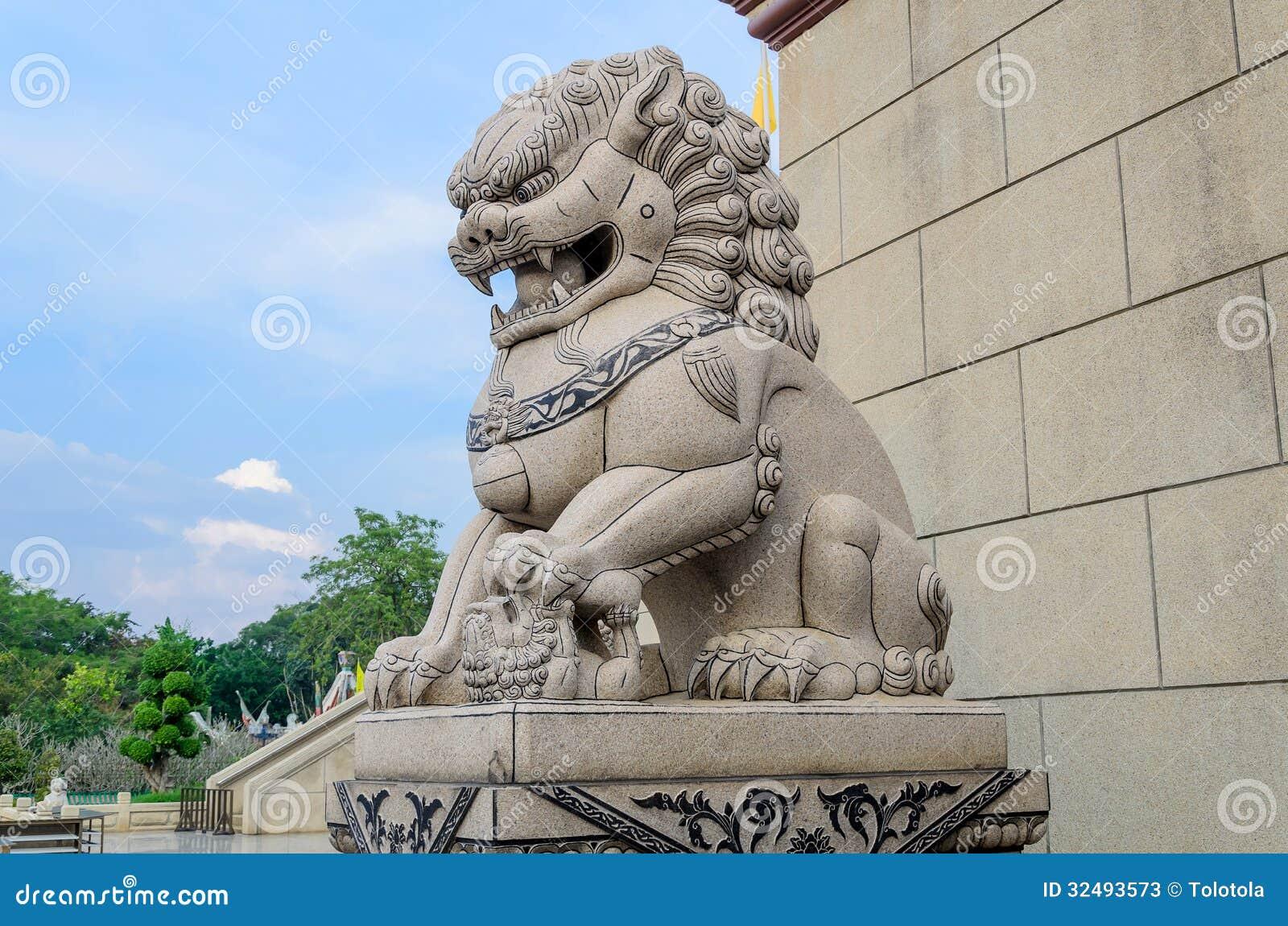 Thai Lion Statue 70