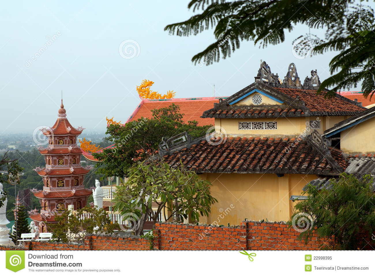 Chinese Temple Roof And Pagoda Royalty Free Stock Photo