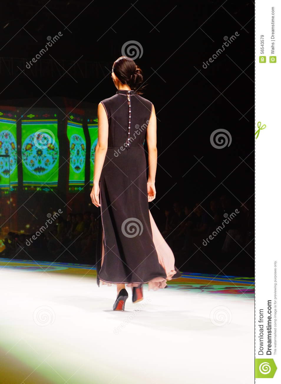 Chinese Traditional Fashion Model Show Editorial Stock