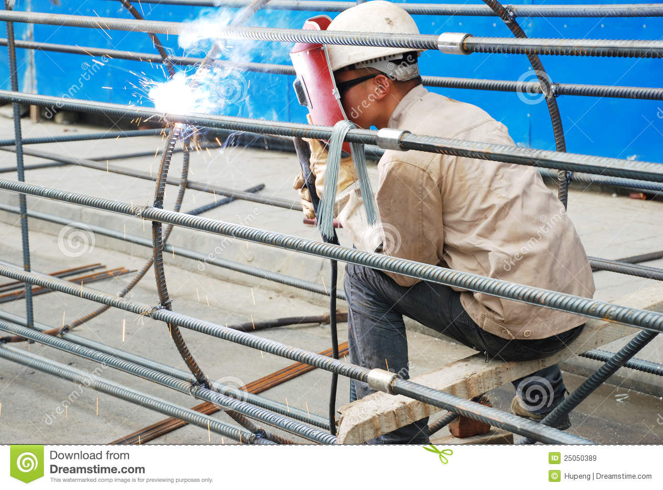 Chinese Worker Welding Steel Editorial Stock Image Image
