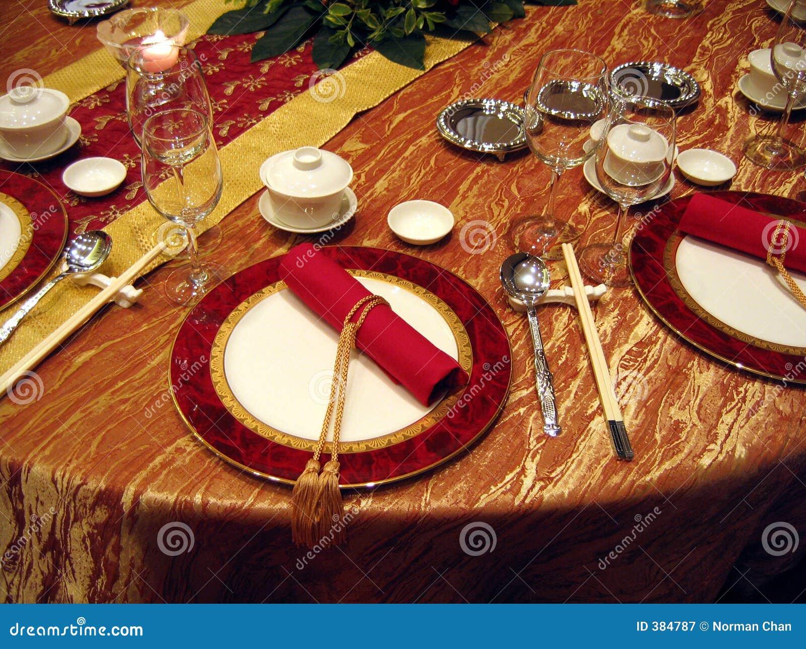 Chinesische Hochzeitsbanketttabelleneinstellung