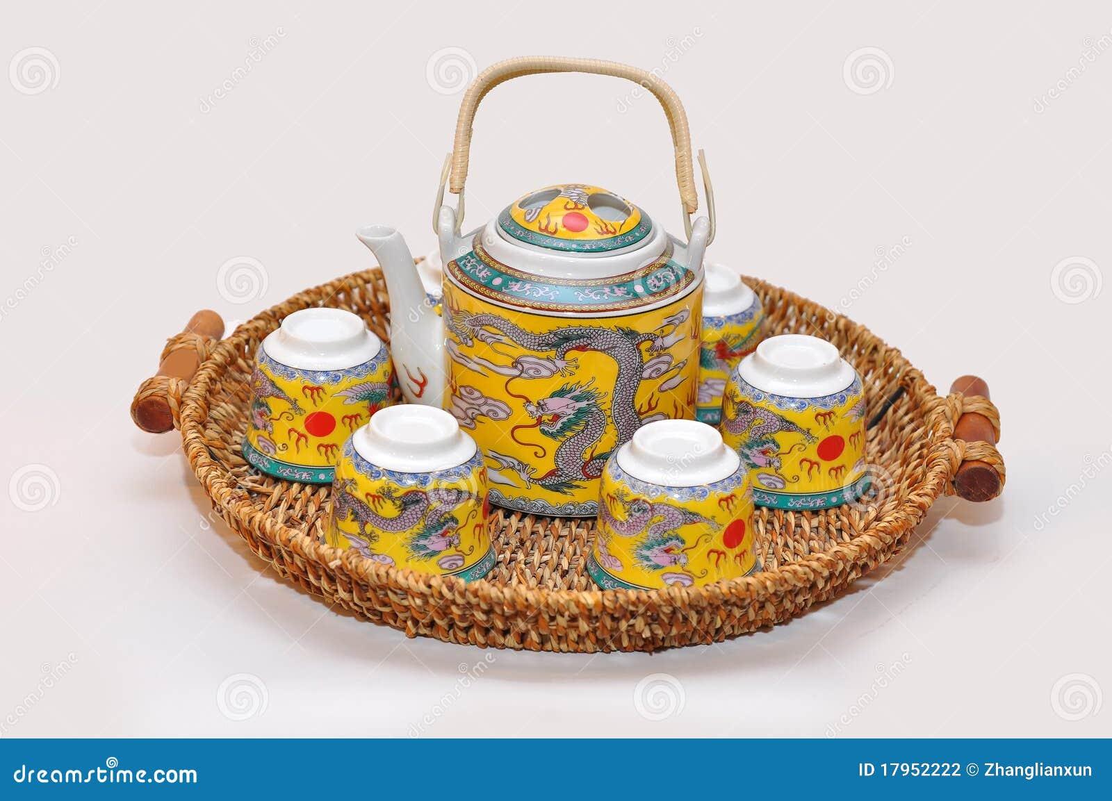 chinesische teekanne und cup stockfoto bild von alkoholiker hitze 17952222. Black Bedroom Furniture Sets. Home Design Ideas