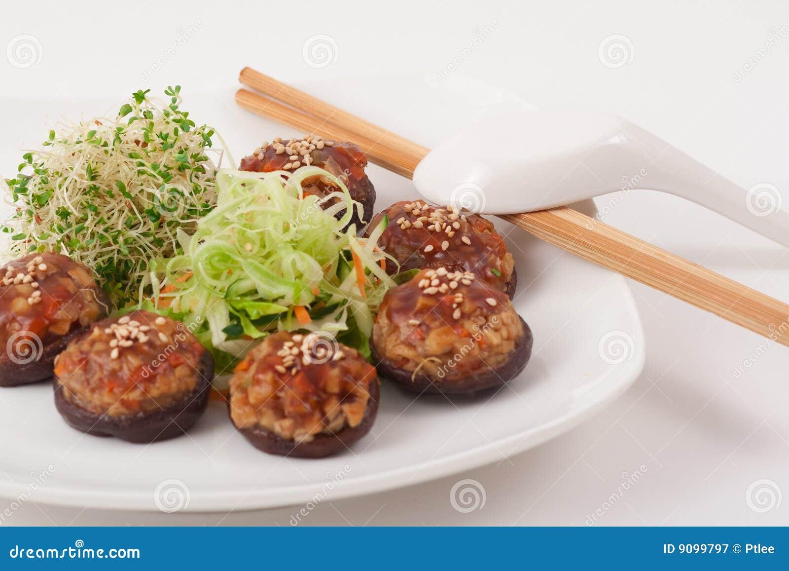 Chinesischer vegetarischer Pilz-Teller