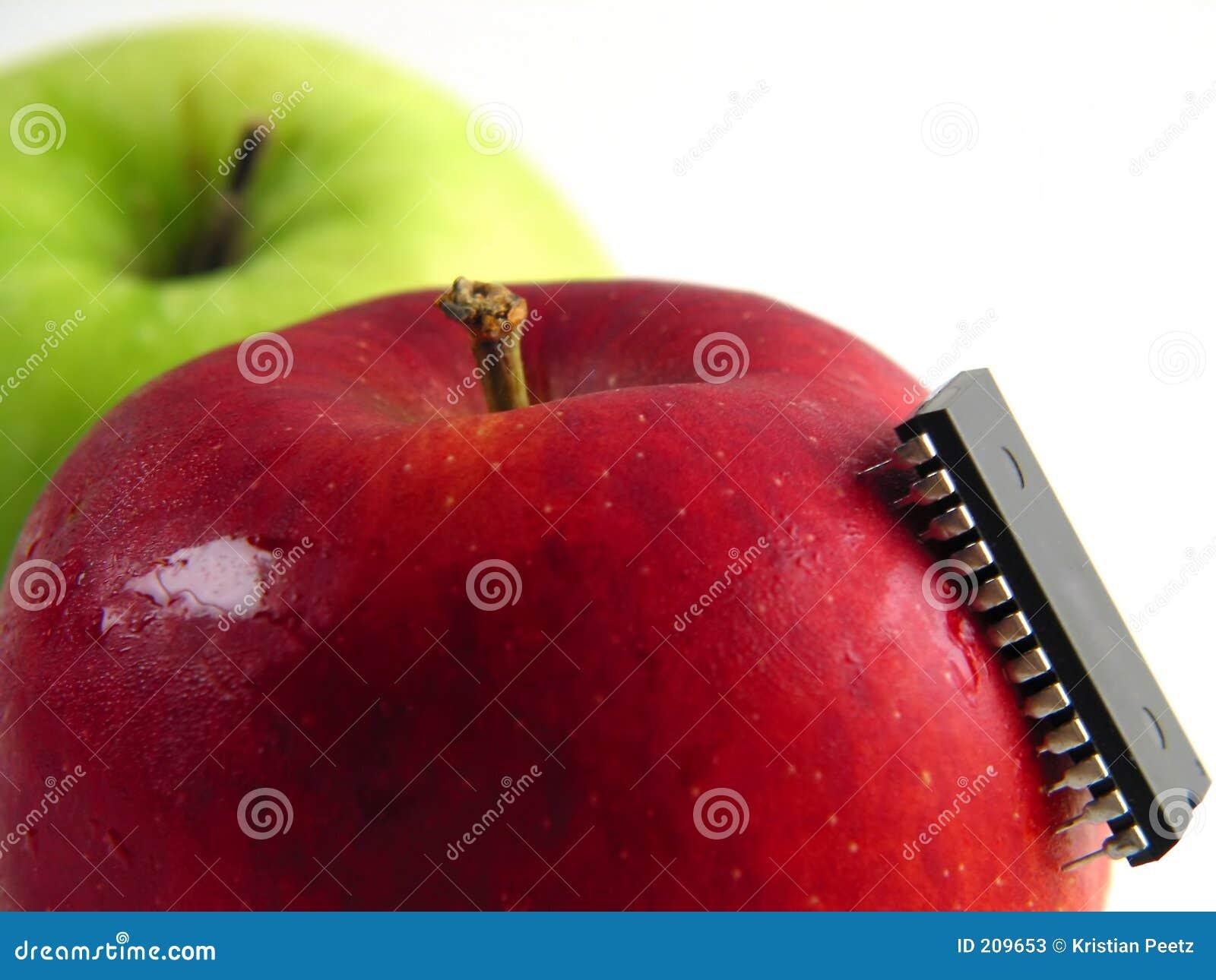 Chip-attachi sulla mela rossa! (Primo piano)