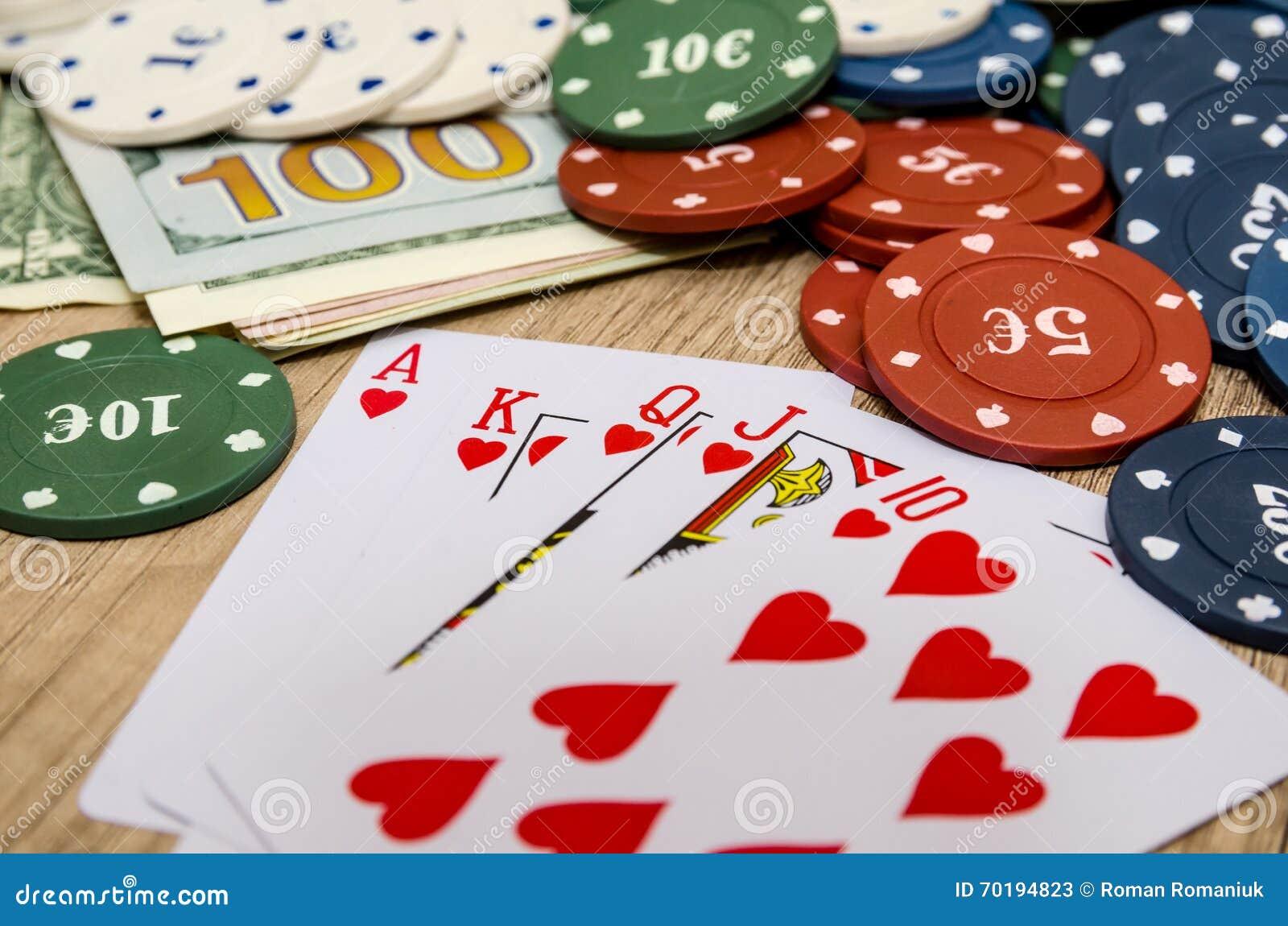 Chiper och kort för poker