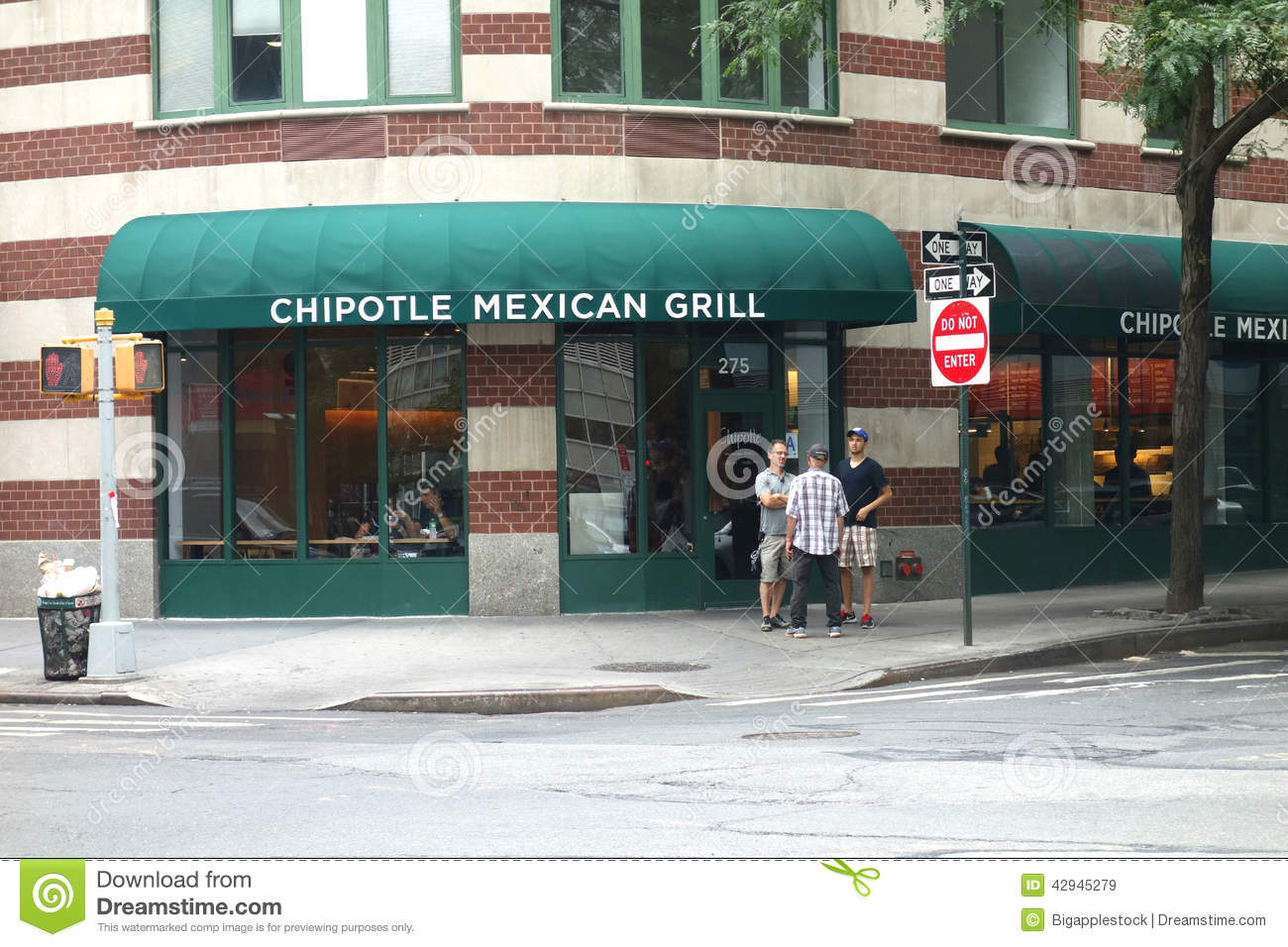 chipotle mexican grill evaluation Reports suggest that chipotle mexican grill (nyse: cmg) has hired david acheson and david theno as food safety consultants in an attempt to ensure that the food virus outbreaks which the chipotle's sales and consequently its valuation were significantly impacted after the e-coli outbreak last year.