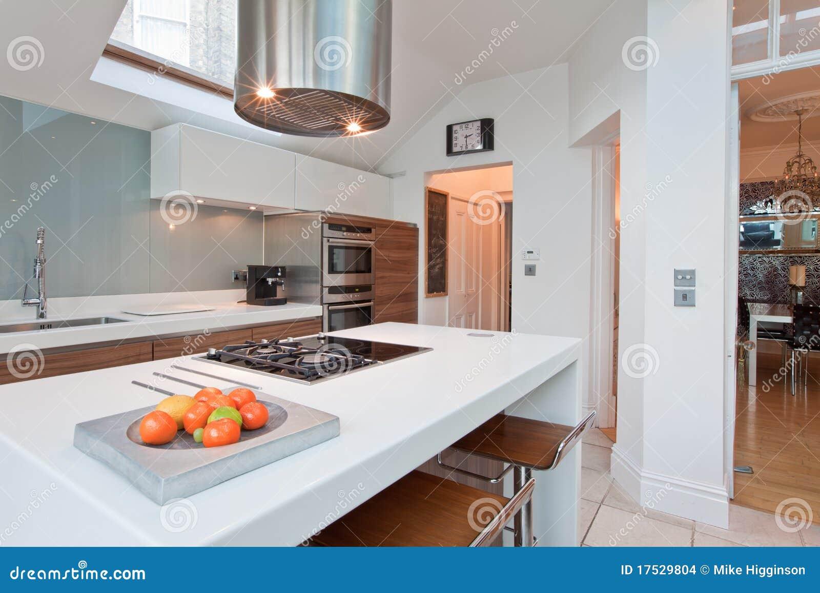 Chique Moderno Cozinha Cabida Foto De Stock Imagem De Arm Rios