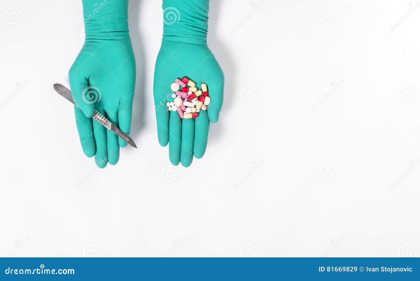 Chirurgische Oder ärztliche Behandlung Stockbild - Bild von anzeige ...