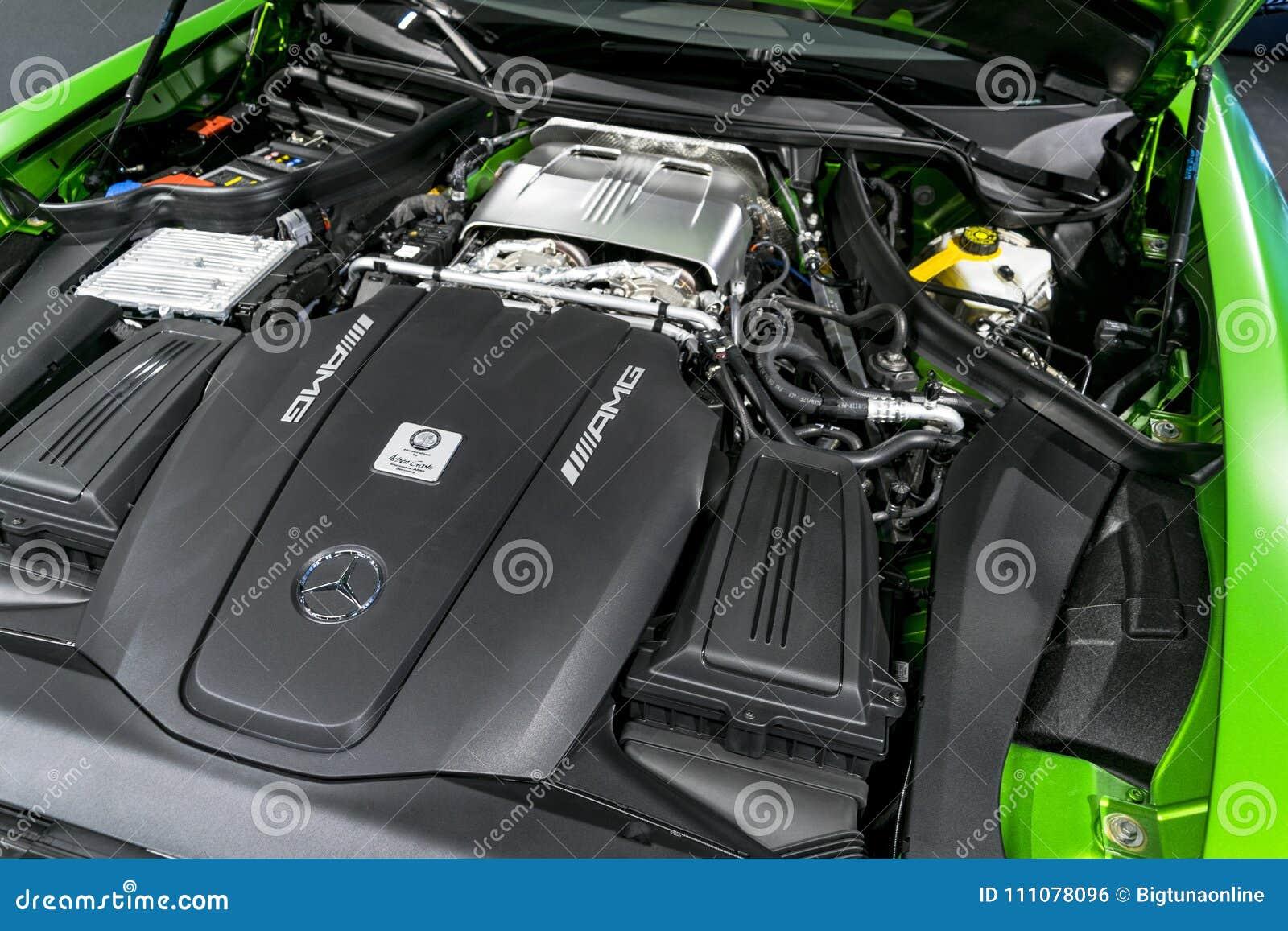 Chiuda su dei dettagli GTR 2018 di esterno del motore AMG V8 Bi-turbo di Mercedes-Benz Motore handcrafted potente