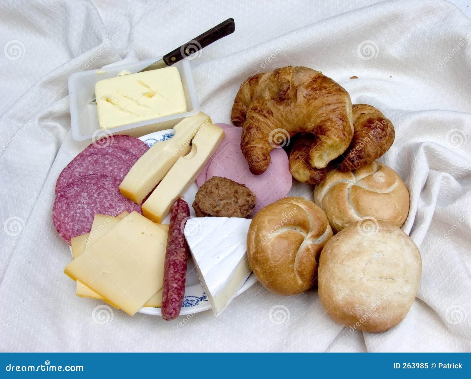 Chleb serowy na śniadanie świeżego mięsa