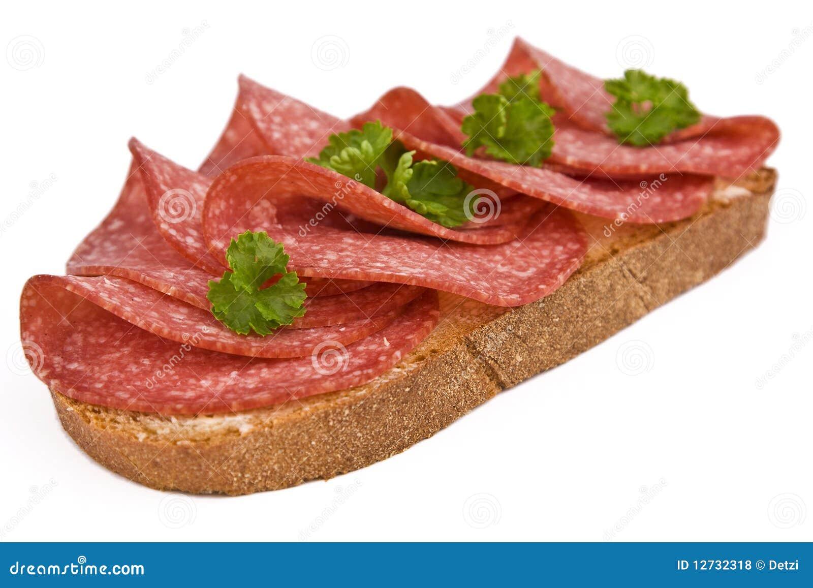Chleb z salami