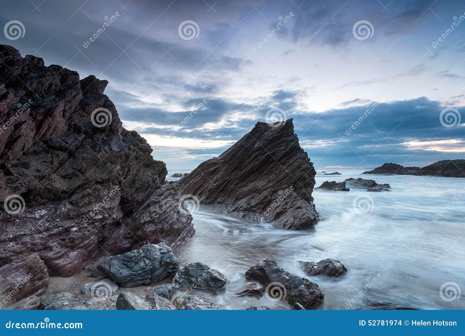 Chmurny półmrok przy Whitsand zatoką