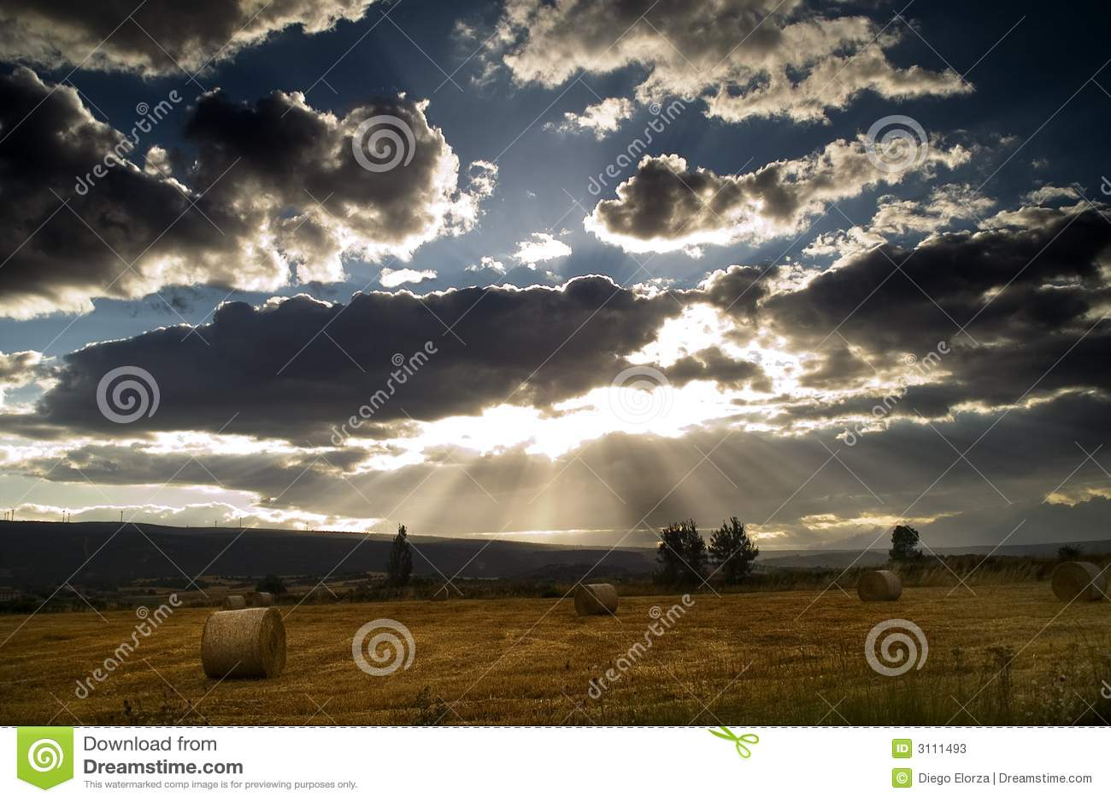 Chmury nad pole powlekane srebra