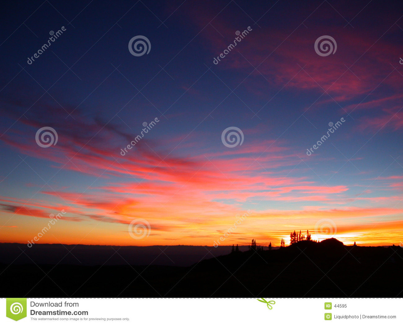Chmury różowią słońca