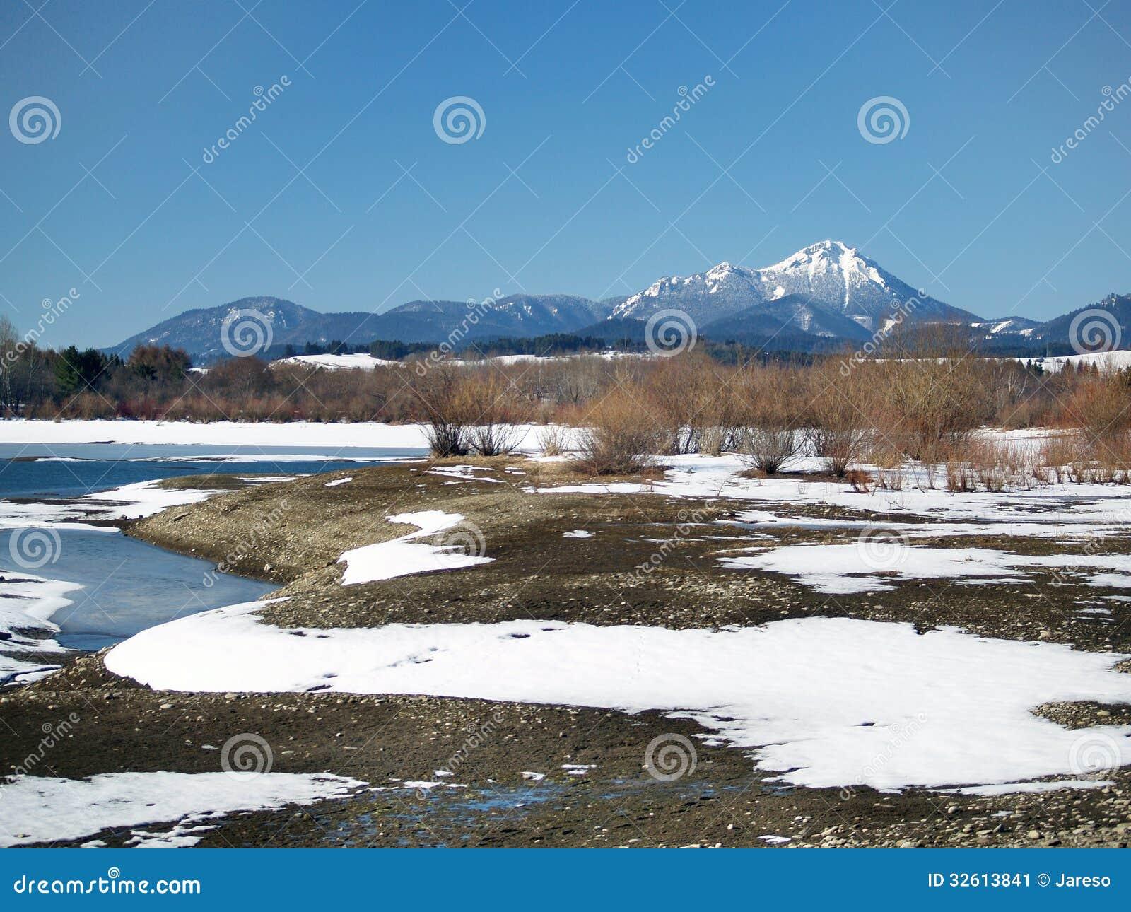Choc and fozen Liptovska Mara