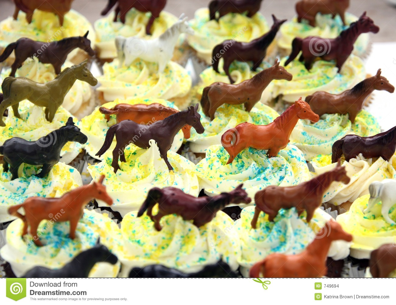 Chocolate Birthday Cupcakes Decorated With Horse Theme ...