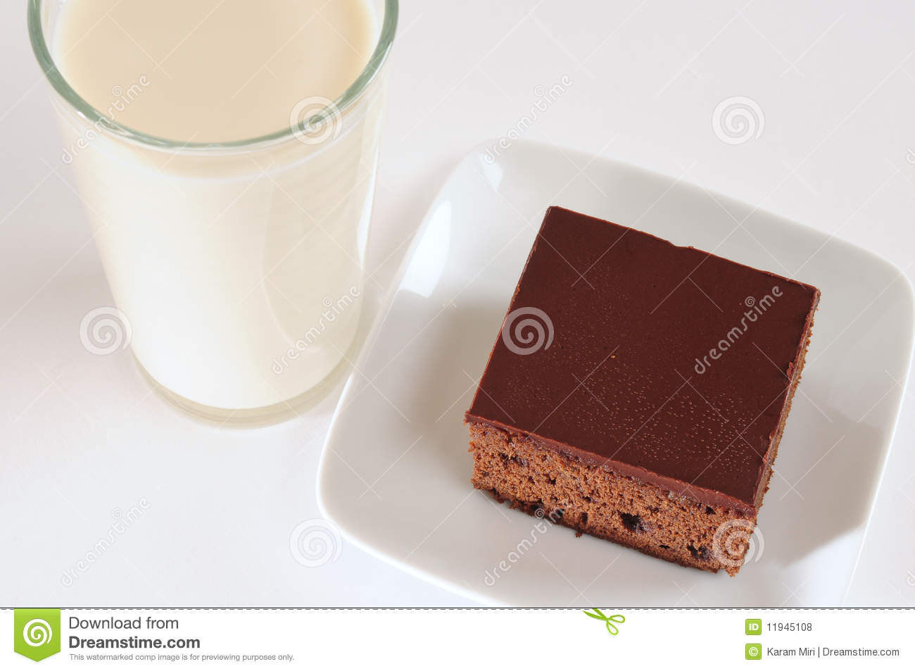 Cake With Chocolate Milk : Chocolate Cake And Milk Royalty Free Stock Photos - Image ...