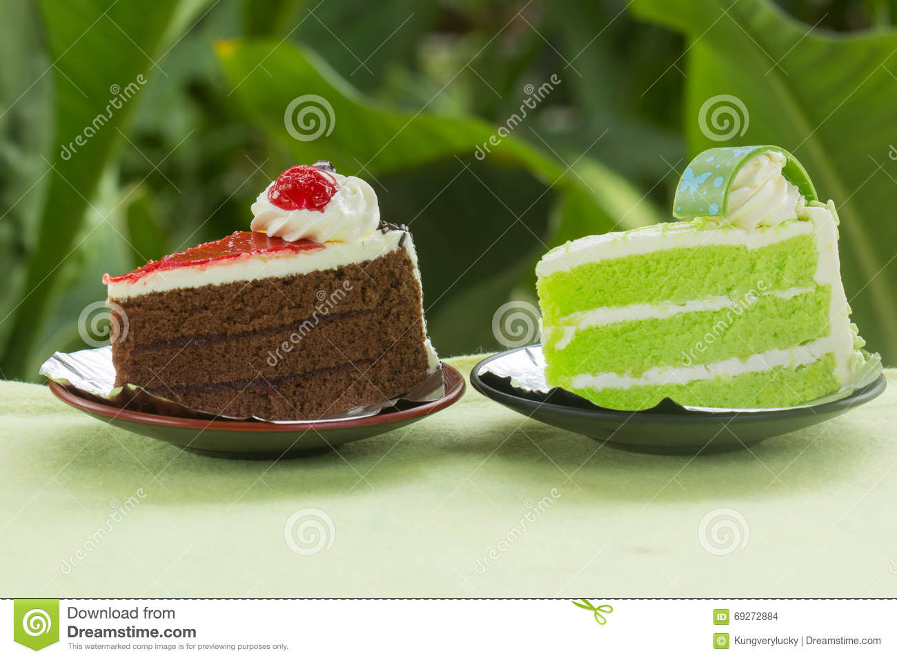 Pandan Cake Jelly Recipe: Chocolate Cake With Strawberry Jam And Pandan Cake Stock