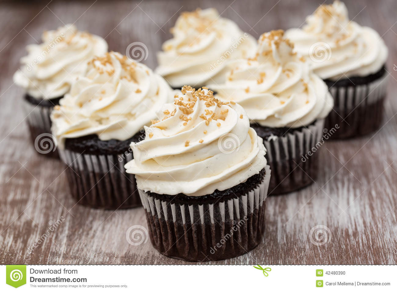 Chocolate Cupcakes With Vanilla Buttercream Frosting Stock ...