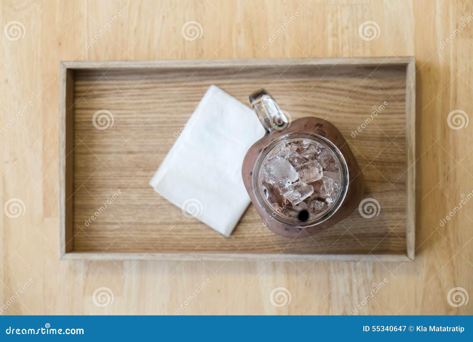 Chocolate helado en la placa