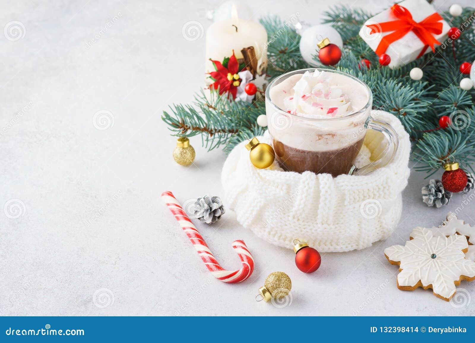 Chocolate quente ou cacau com chantiliy